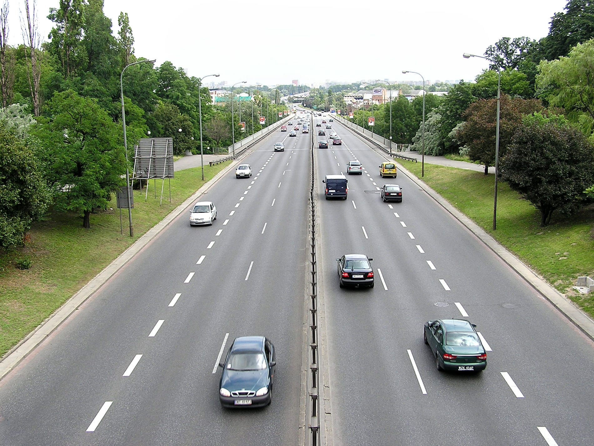 Augmenter les limitations de vitesse pour sauver des vies ?