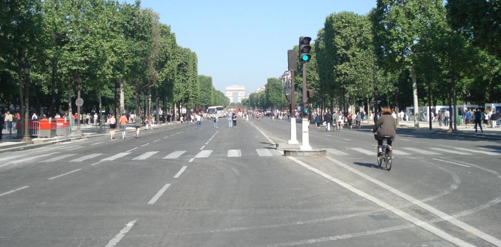 Journée sans voiture : tout Paris pour 2017, la proche banlieue pour 2018 sera également bloquée dans un « but pédagogique »