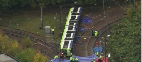 Royaume-Uni : au moins 5 morts et 50 blessés dans un accident de tramway à Croydon