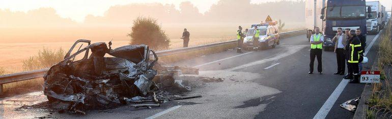 Guemps/Calais : un mort dans un accident provoqué par un barrage de migrants sur l'A16, la circulation perturbée