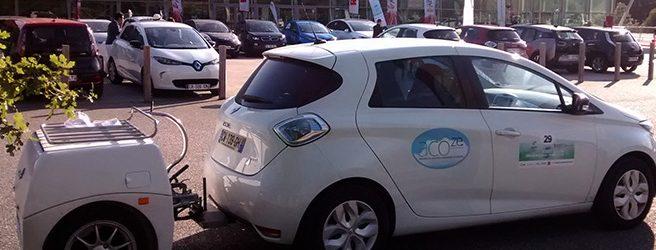 Prolonger l'autonomie d'une voiture électrique avec une remorque (à essence)