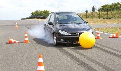 Freinage d'urgence non maitrisé chez 84% des conducteurs