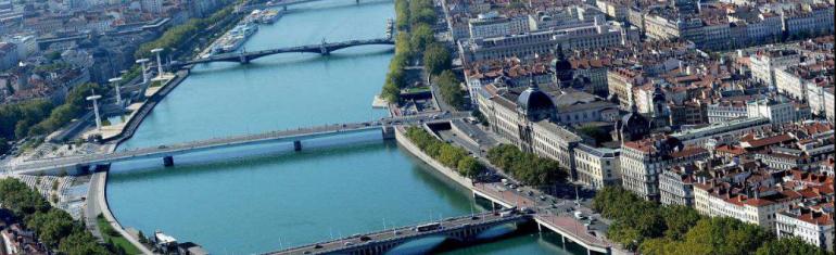 Lyon : une voie dédiée au covoiturage sur l'A6/A7 en 2020 et la création d'un service regroupant les différents sites de covoiturage et basé sur la blockchain