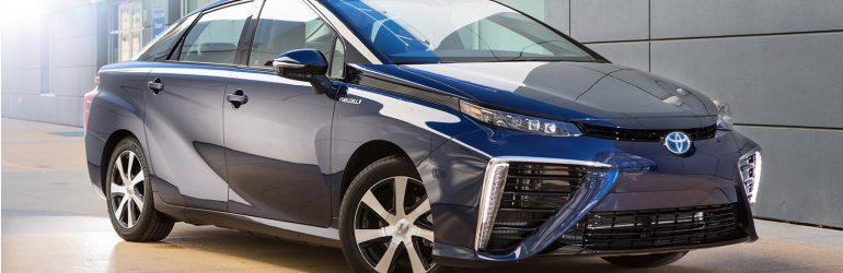 Voiture de demain : Tesla et Toyota s'affrontent, la Chine détient 2/3 des capacités de production de batterie mondiale