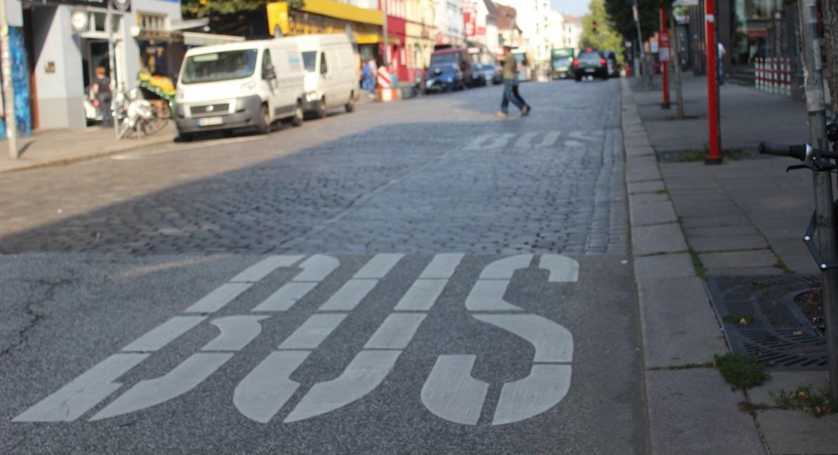 Qui peut vraiment rouler sur les couloirs de bus ?