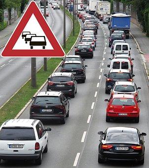 Pic de pollution en Ile-de-France et dans le grand Est malgré un trafic automobile et aérien réduit à presque zéro