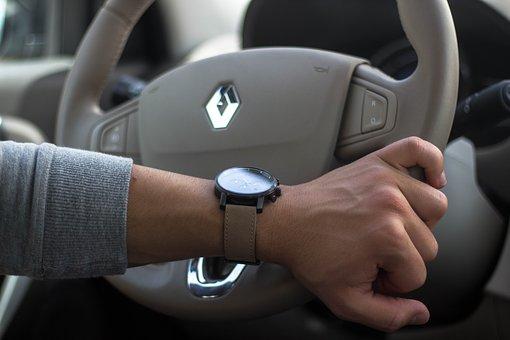 Renault dévoile un système autonome aussi efficace qu'un pilote professionnel