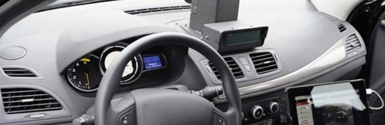Les voitures radars roulent en dessous des limitations de vitesse pour flasher plus (MàJ : la réponse d'un policier)