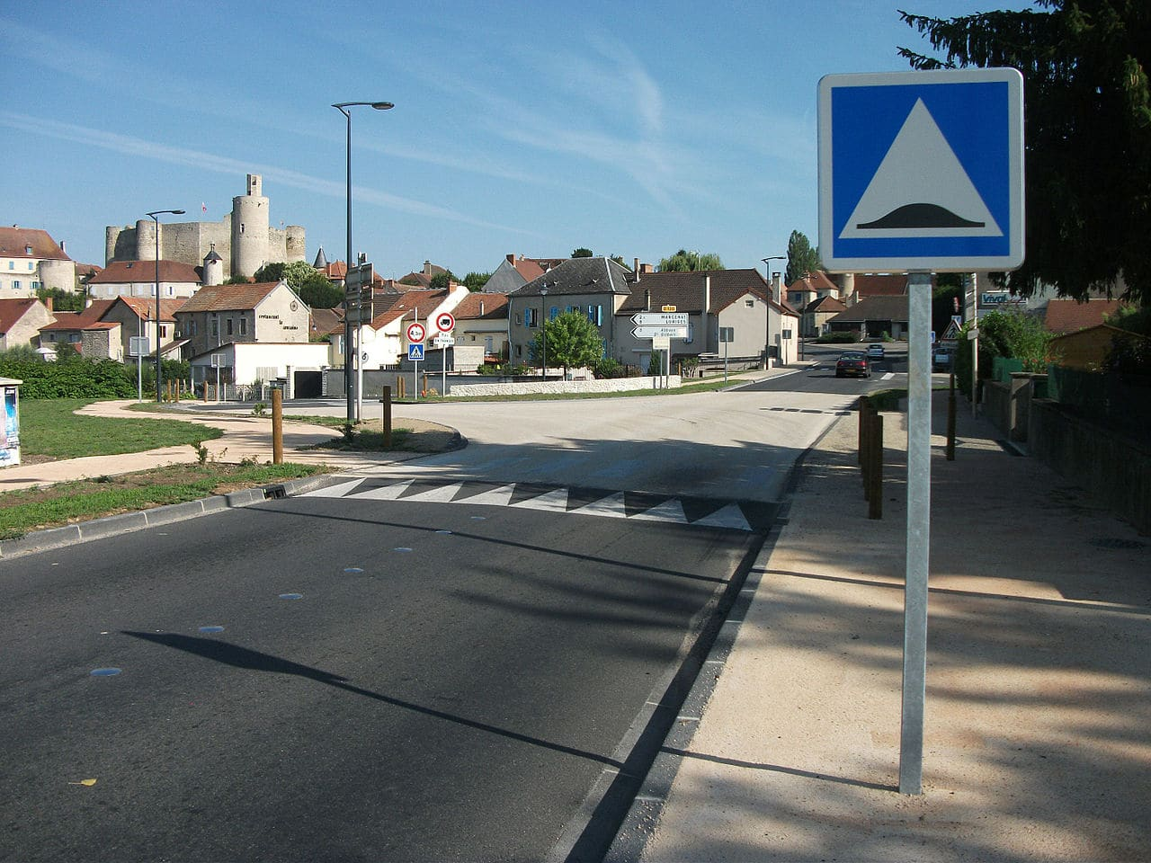 Ralentisseurs illégaux : le «Guide des coussins et plateaux» du CEREMA n'a aucune valeur juridique selon la Cour Administrative d'Appel de Lyon