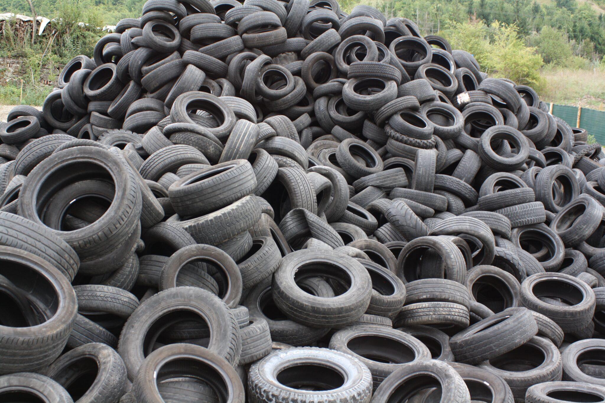 Bordeaux : il a crevé 6 000 pneus en 6 ans (jusqu'à 32 par nuit), occasionne 350 000€ de dégâts et prend 1 an ferme