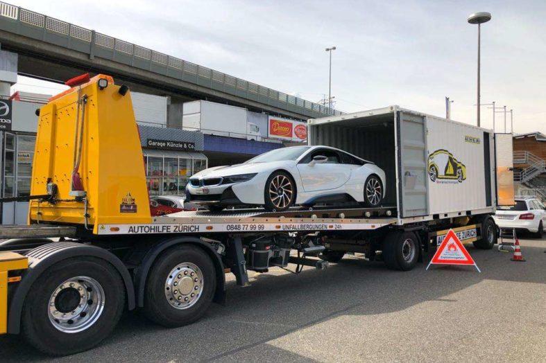 Voiture électrique : le transport doit être effectué dans conteneur spécial