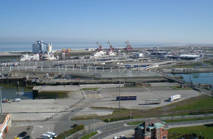 Rocade portuaire de Calais : des attaques menées contre les automobilistes, l'Etat préfère installer un radar