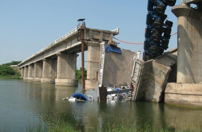 Comme tous les ans, un rapport sur l'état des ponts signale « 20 000 à 25 000 ouvrages nécessiteraient une intervention assez conséquente »
